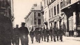 Reims Rue Ceres Pendant L'Occupation Allemande Patrouille Ancienne Carte Postale CPA 1914 - War 1914-18