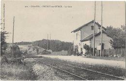 PRUSLY SUR OURCE La Gare - France