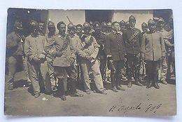 Foto Cartolina - Gruppo Di Militari In Uniforme 1909 - Régiments