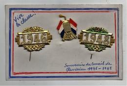 Carte Conscrit Avec épinglettes 1946 1948 RF Souvenir Du Conseil De Révision - Badges & Ribbons