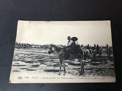 1384 - ARLES Ferrade Populaire Aux Plaines De Meyran - Gardian Portant Sa Famille En Croupe - 1917 - Arles