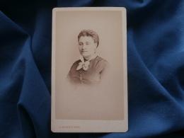 CDV Photo J. Guittet Au Mans - Beau Portrait Femme, Foulard, Second Empire Circa 1865 L340 - Anciennes (Av. 1900)
