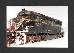 TRAINS - ANCIENNE LORETTE - QUÉBEC - LOCOMOTIVE 9020 (SD40-2M) DE MPI - 10x15 Cm - Trains