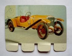 """Plaquette Tôle Publicité COOP - """" L'auto à Travers Les âges"""" - HISPANO-SUIZA 1912 - 80 X 60 Mm - Advertising (Porcelain) Signs"""