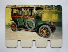 """Plaquette Tôle Publicité COOP - """" L'auto à Travers Les âges"""" - BERLIET 1907 - 80 X 60 Mm - Advertising (Porcelain) Signs"""