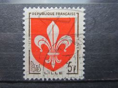 VEND BEAU TIMBRE DE FRANCE N° 1186 , TACHE ROUGE DANS LA FLEUR DE GAUCHE !!! (b) - Errors & Oddities