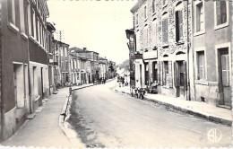 26 - HAUTERIVES : Grande Rue ( Commerces Cycles Bureau De Tabac ) - CPSM Dentelée Noir Blanc Postée 1957 - Drôme - Hauterives