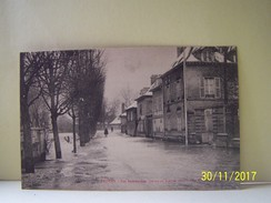 TROYES (AUBE) LES INONDATIONS. 21, 22, 23 JANVIER 1910. LE MAIL DES CHARMILLES. - Troyes
