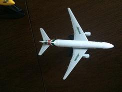 Alitalia Boeing 777 Scala 1:500 - Autres Collections