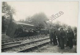 Accident De Train . Photo Numa , 57 Rue Du Pdt Wilson à Périgueux . Dordogne ? - Trains