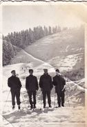 Old Real Original Photo - Men With Their Skis Skiing - 8.8x6,2 Cm - Sports