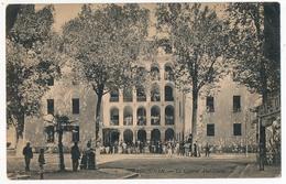 CPA - DRAGUIGNAN (Var) - La Caserne Abel-Douai - Draguignan