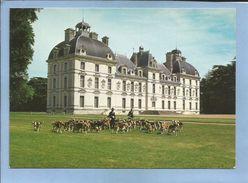 Cheverny (41) Château Construction Seigneuriale Terminé En 1634 Par Hurault De Cheverny 2 Scans Meute De Chasse à Courre - Cheverny