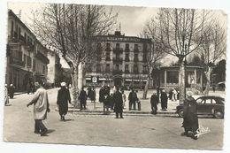 Carte Postale   Algerie  Tiaret   Place Carnot Et Grand Hotel - Tiaret