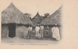 DAKAR        Sénegal     Cases Bambaras  Et Types Bambaras - Senegal