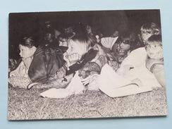 BIVAK ( Chiro ) Ver Van Huis Thuiskomen Bij Onbekende Mensen ( Foto Peter Langeraert ) Anno 1986 ( Zie Foto's ) ! - Scoutisme