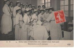 Paris – Ecole Des Infirmières De L'Assistance Publique – Démonstration Avec Le Mannequin - Santé, Hôpitaux