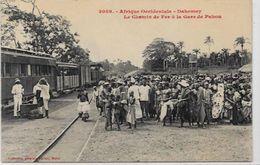 CPA DAHOMEY Afrique Noire Type Ethnic Train Gare Chemin De Fer Non Circulé Pahou - Dahomey