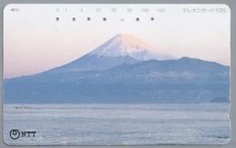 JP.- Japan, Telefoonkaart. Telecarte Japon. NTT. - Mont Fuji. . 2 Scans - Mountains