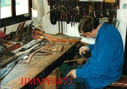 CPM - Bernard Bocquillon BOURRELIER 1991 - HUMIERES 62 Pas De Calais - Photo F. LEROUX - Scans Recto-Verso - Craft