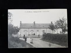 CPA D18 Saligny Le Vif, Ecole De Filles - France