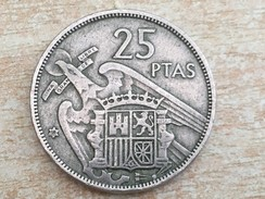 1957 (58) Spain Espana 25 Pesetas Coin, Scarce Date - VF Very Fine - [ 5] 1949-… : Kingdom