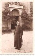 88 - Vosges - Saint Nabord - Le Curé Thouvenont Devant L Entrée De L'église De Saint Nabord - Saint Nabord