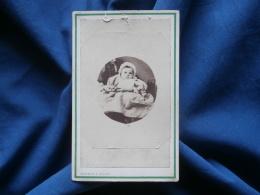 CDV Photo Trantoul & Lafosse à Tarbes - Second Empire, Bébé Avec Charlotte Sur Les Genoux D'une Femme, Ca 1865 L340 - Photographs