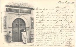 Tunis, Une Porte  ( 2 X Scan) - Tunesië