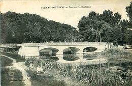 Cpa TONNAY BOUTONNE 17 Pont Sur La Boutonne - Autres Communes