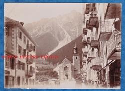 Photo Ancienne - CHAMONIX ( Haute Savoie ) - L' Eglise Et Le Brévent - Bureau Syndicat Des Guides -1905 - Alpes Montagne - Anciennes (Av. 1900)