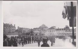 PHOTO D'ALENCON 1946 - ANNIVERSAIRE DE LA LIBERATION - REVUE DES TROUPES - 15 CM X 10 CM - 2 SCANS - - Alencon