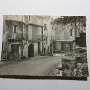 84 - LAGNES  - Une Rue En 1961 - France