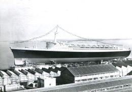 """N°60052 -cpsm Saint Nazaire -le Paquebot """"France"""" Lors Du Lancement En 1960- - Steamers"""