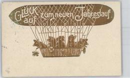 51187097 - Schweine Zeppelin, Neujahr - Cochons