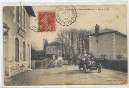 16. ROUMAZIERES.  LES 4 ROUTES. VOITURE AN 1907. - Autres Communes