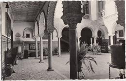 Sevilla - Patio Tipico / Typical Court / Cour Typique - Sevilla