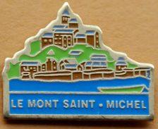 X  382 )..........écusson.../.........LE MONT SAINT  MICHEL....département De La Manche En Normandie. - Cities