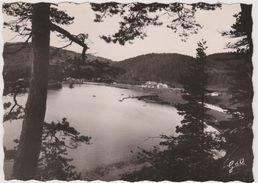 63 Le Lac Chambon Vue D'ensemble Du Lac Et De Sa Plage Tous Les Sports Nautiques - France