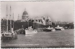 Royaume-uni London  Saint Paul Cathedral And Thames Embankment - St. Paul's Cathedral