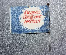 """WW1 - Insigne à épingler Drapeau De Poilu """"Journée De L'Orphelinat Des Armées"""" Flag WWI - Insegne"""