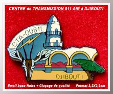 SUPER PIN'S MILITARIA : Détachement Air 188, Le Centre Transmission Air 811 à DJIBOUTI, émail Base Noire + Glaçage - Militaria