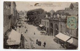 SAINT MALO -- La Place Chateaubriand  (animée, Attelage,Pub Alsopp's Pale Ale,bière De Munich ..)...............à Saisir - Saint Malo