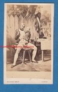 Photo Ancienne CDV Vers 1870 - Gravure / Dessin à Identifier - Signé Vernet - Officier De Napoléon - Photographe Mignon - Photos