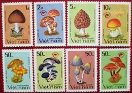Vietnam 1990  Mushrooms  8 V    MNH - Mushrooms