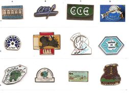 Lot 3 Pin's _Au Choix_ Banque De France_ Association  Sportive_CCE_Coopérative_Globe Trotters_ - Banks