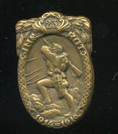 87770 I.VH K.u.K. 23. Rgt  , Sapkajelvény, Szép állapotban  /  WWI. K.u.K. 23 Rgt, Hat Pin, In Nice Condition - 1914-18