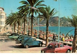 ESPAGNE---BENIDORM--plage Levant--( Voitures Des Années 60-70   2CV + Dauphine + Autres )-voir 2 Scans - Espagne