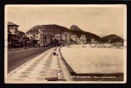 Brazil Rio De Janeiro Praia Copacabana  REAL PHOTO Rppc Tarjeta Postal Ca 1935 (W4_3665) - Rio De Janeiro