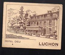 """Luchon  (31 Haute Garonne) Carte De L'HOTEL DEU , Avec Renseignements Manuscrits Signé """"Deu""""  (PPP6448) - Programme"""